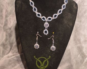 Queen Necklace and Earrings
