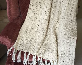 Ecru Crochet Shell Patterned Throw
