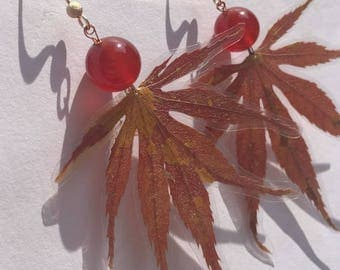 agate and Red Maple/gold filled 14 k/real flowers pressed flower//birthday/spring/pressed flowers