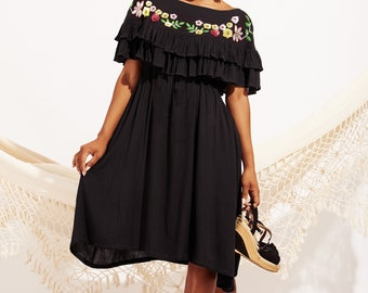 Long black crepe dress. Sequin embroidery, dress boho chic, mexican dress