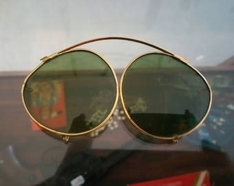 Clip on sunglass