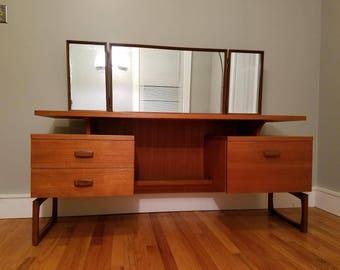 Free NYC/BOS Delivery G PLAN Mid Century Modern floating top teak vanity / desk
