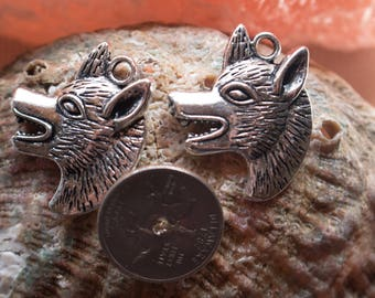 Wolf Charm, metal alloy