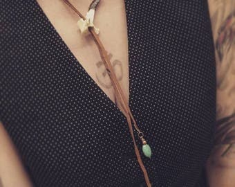 Vertebrae and leather lariat