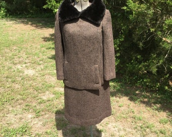SALE Wool Suit Dress and Jacket with Fur Collar; 1950s Vintage; Size Large
