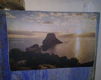 It is vedra, Ibiza. Printing on fabric TNT.