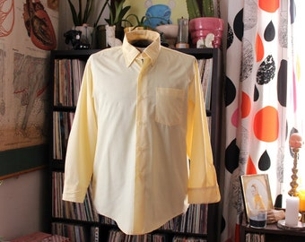 xl mens vintage 1970s button down shirt . butter yellow shirt with button-down collar with long sleeves . 46 inch chest