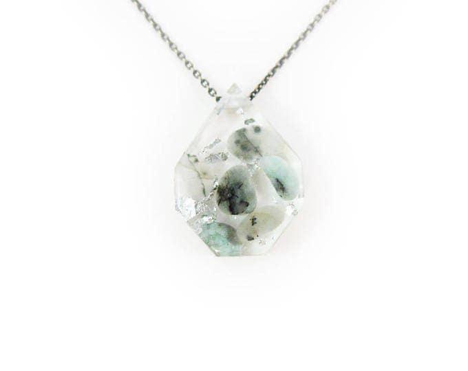 Medium Emerald Eco-Resin Tumbled Stone Necklace