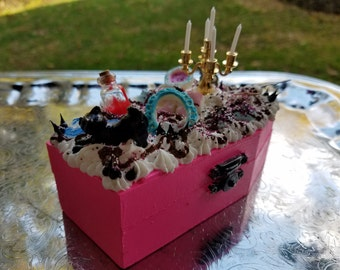 Decoden Pink Coffin Box With Evil Laugh