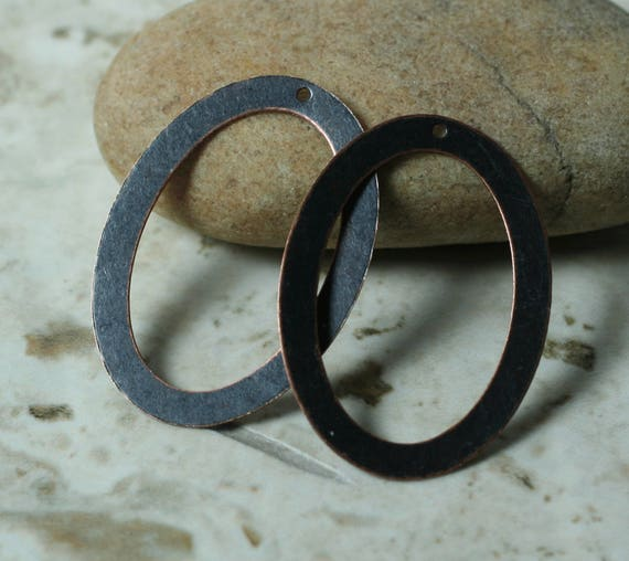 Blackened antique copper oval dangle drop size 31x23mm, 2 pcs (item ID XW00335ACP)