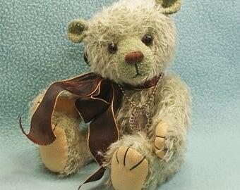 Thomas  Artist teddybear mohair jointed green