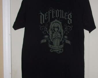 Deftones Worldwide and Beyond Est. 1988 Band T-Shirt-Adult size L-Giant Label