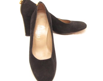 Vintage Go Jakki black suede pumps with back zipper. Size 6. Free shipping.