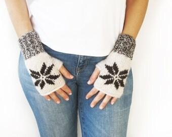 Wool Snowflake Gloves