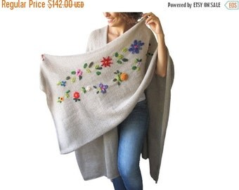 WINTER SALE NEW! Beige Pelerine - Poncho with Flowers by Afra