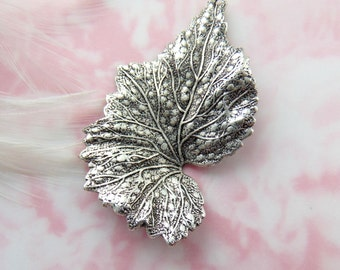 ANTIQUE SILVER * Woodland Leaf Stamping ~ Jewelry Ornament Findings (FB-6037)