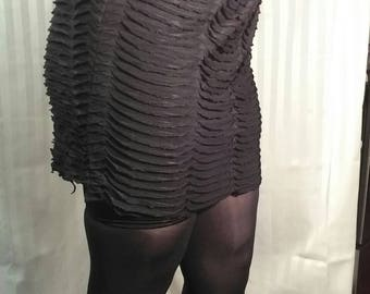 Black Knit Scale Skirt Size Medium to large 32 to 48 inch wide
