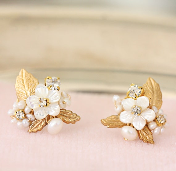 wedding flower jewelry gold leaf and of pearl flower post wedding 9511