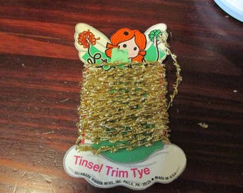 Vintage Stretch Tinsel Trim Tye on Card by Delaware Ribbon Mfrs. - Made in USA