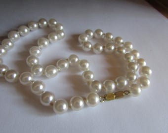 Pearl expensive choker
