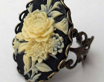 Vintage style. Victorian. Gothic floral cameo ring. Black cameo ring. Gothic wedding. Gothic gifts for her. Victorian style jewelry