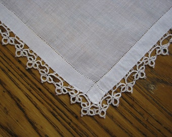 Vintage Hanky, Tatted Hanky, Tatting, Vintage Handkerchief, Tatted Handkerchief, Ivory Tatted Hanky, Wedding, Vintage Style, 1940's
