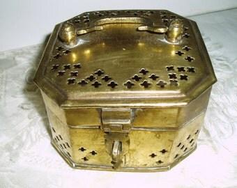 Vintage Brass Cricket Box,  Octogon Shape Pierced Trinket Box / Jewelry Keepsake Box, Brass Potpourri Holder Container, Decorative Brass Box