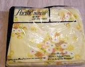 Vintage plein drap plat pin NOS non-ouvert Yellow Daisy Flower Power lit Double feuille rétro tissu Pacifique Miracale Percale