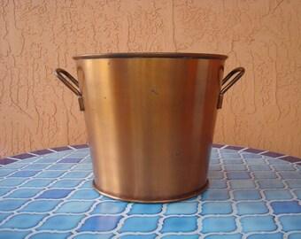 Summer Sale! Heavy Solid Copper Ice Bucket, Rustic Copper Bucket, Southwestern Decor, Rusty, Rustic Decor, Large Copper Ice Bucket, Vintage