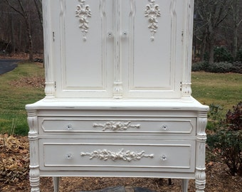 SOLD! SOLD! SOLD!    Vintage Linen Press Painted and Embellished with Rose Garlands,  French Country, PaRiS aPaRtMeNt ChiC, Farmhouse Chic!