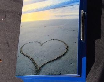 I love beaches - Keepsake- Jewelry Box/ Love Box /Gifts/ Housewarming