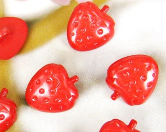 Juicy strawberry buttons - 12 pcs