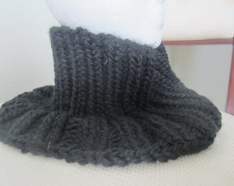 Black Hand Knit Cowl