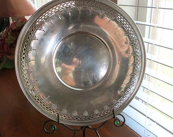 Wallingford Nickel Silver Platter Tray 1930s Vintage Pierced Edging Engraved W in Center
