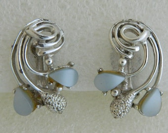 60S Vintage Silver-tone Light Blue Thermoset Lucite Sprig Earrings wyogems