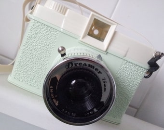 Retro Diana + Lomography  DREAMER Mint Green Camera