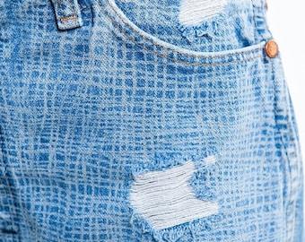 35% OFF SPRING SALE The Vintage Wrangler Grid Laser Printed Distressed Shorts