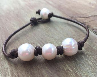 Three Freshwater Pearl Leather Bracelet, Triple Pearl Bracelet,  Three Pearl Leather Bracelet, Pearl Leather Necklace, Pearl Bracelet