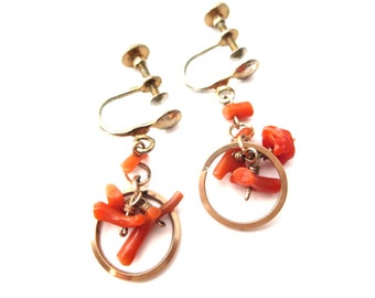 Pair of 1940's Dainty Unmarked Vintage Gold Tone & Branch Coral Screwback Dangle Earrings