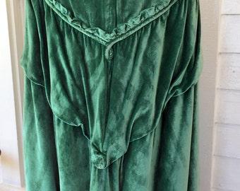 Green Crushed Velvet Formal/Opera Cape Cloak Silk Lined  Art Deco 1920's/1930s