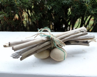 """Rustic Holiday 12"""" Bundle of Driftwood for Holiday Decor , Beach Wedding, and Woodland Home"""