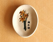 Ceramic DAFFODILS Ring Dish - Handmade Small Oval Flower MOM Ring Dish - Gift for Mom - Ready To Ship
