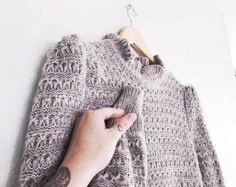 70s/ Soft Gray Knit Sweater/ Size Medium
