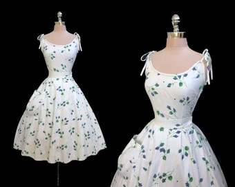 Vintage 1950s Floral Blue Rosebuds Print Top and Full Skirt Cotton Garden Party Dress Set XS