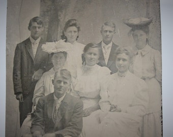 Victorian Tintype Group Portrait / Young Men and Women