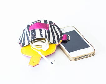 Earbuds leather case, earphones pouch headphone holder cable holder organizer earphone keeper coin purse