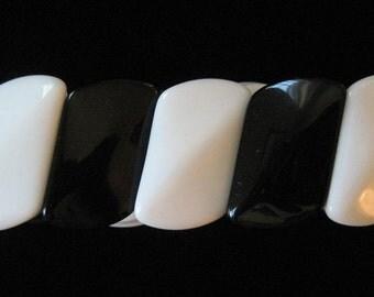Black and White Glass Beaded Bracelet, Elastic