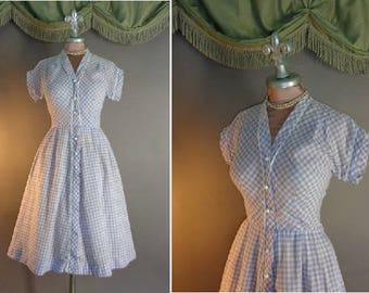 1950s dress vintage 50s LAVENDER GINGHAM CHECK Purple white cotton fit and flare full skirt day dress