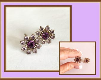 Purple Rhinestone Screw back Earrings, Formal, Pastel Lavender, Flowers, Vintage 1960's