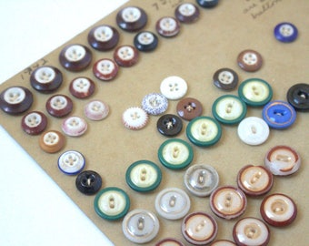 Antique Button Card with Painted China and Piecrust Buttons 1850s